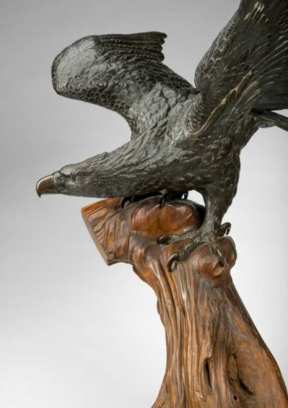 Bronze of an eagle with outstretched Wings sitting on a Branch - photo 2