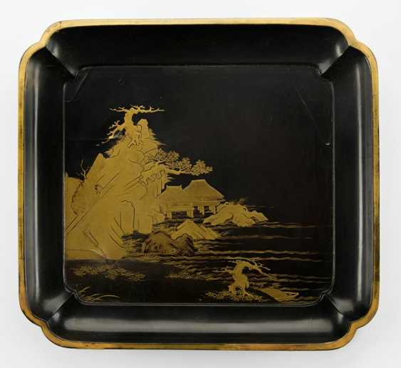 Wooden tray m. decor a Shore with houses on Stilts in gold lacquer on a black background - photo 1