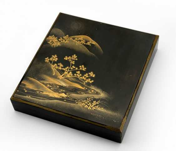 Suzuribako wooden m. decor of a river Bank under a full moon in gold lacquer on a black background - photo 1