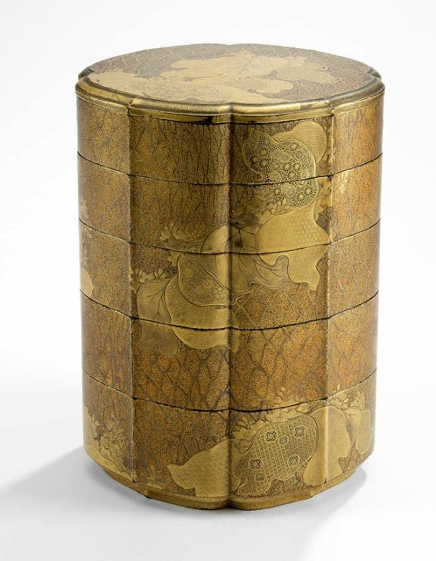 Six-piece stacking box made of wood m. gold paint decoration of v. leaves, flowers and brocade patterns - photo 1