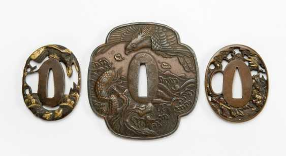 Three Tsuba with decoration of birds of prey and Samurai - photo 1