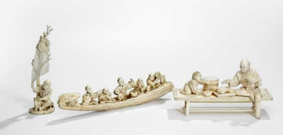 Three Okimono of ivory, including a barge with musicians, and a fisherman - photo 1