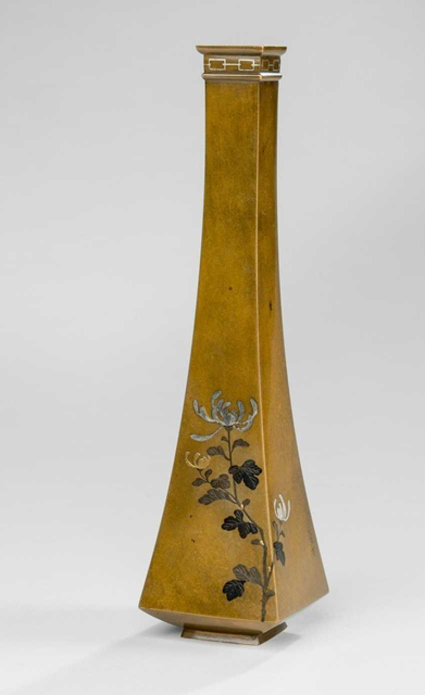 Square narrow-mouth vase made of Bronze with inlaid decor of bamboo & chrysanthemum - photo 1