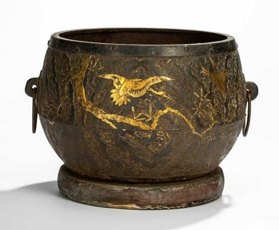 Chagama is made of iron with a decoration of two cranes and sparrows in the branches in gold lacquer - photo 1