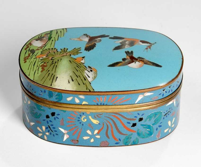 Cloisonne lidded box, with multicoloured decoration of sparrows - photo 1