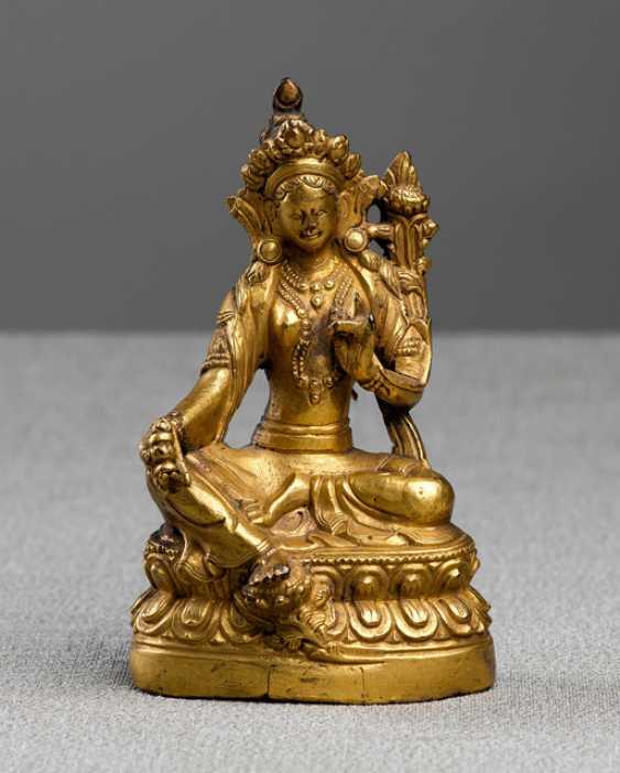 Fire-gilt Bronze of Syamatara - photo 1