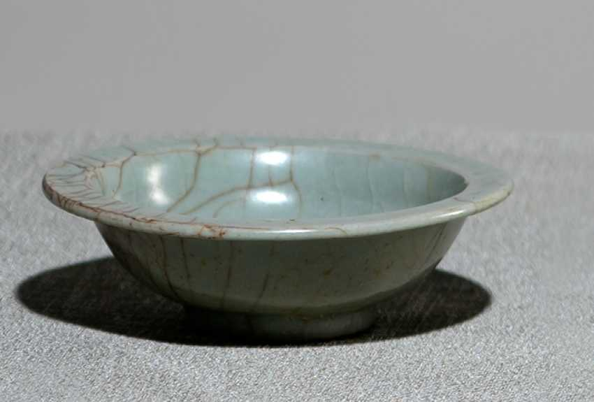 Small celadon colors craqueliert glazed bowl - photo 1