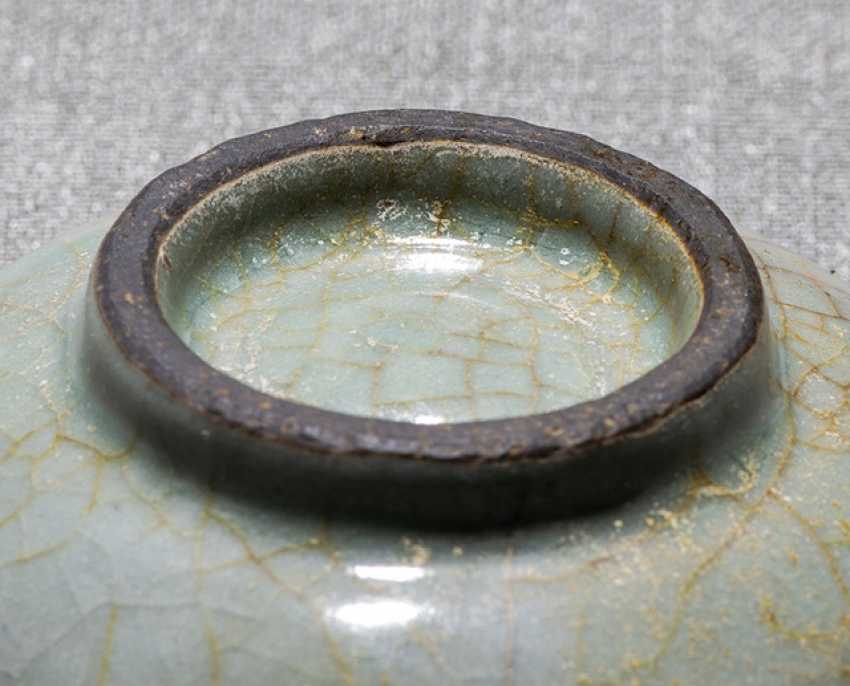 Small celadon colors craqueliert glazed bowl - photo 2