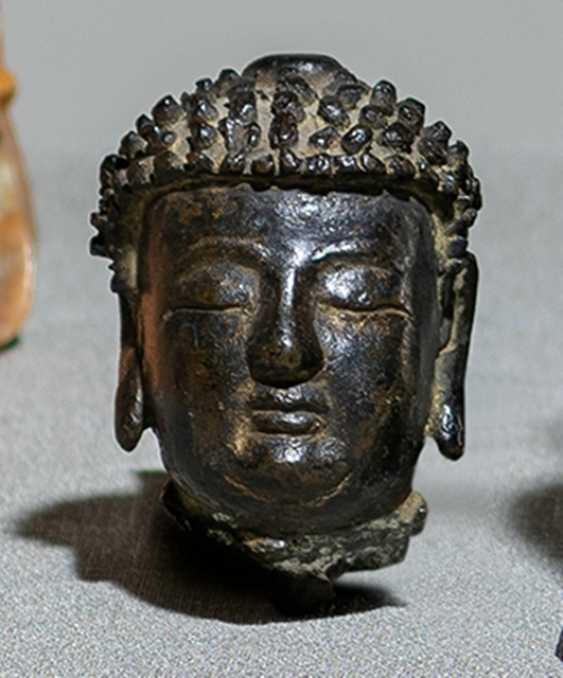 Head of the Buddha Sakyamuni made of Bronze - photo 1