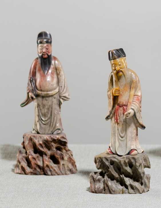 Pair of soapstone figures on the Rock-sockets - photo 1