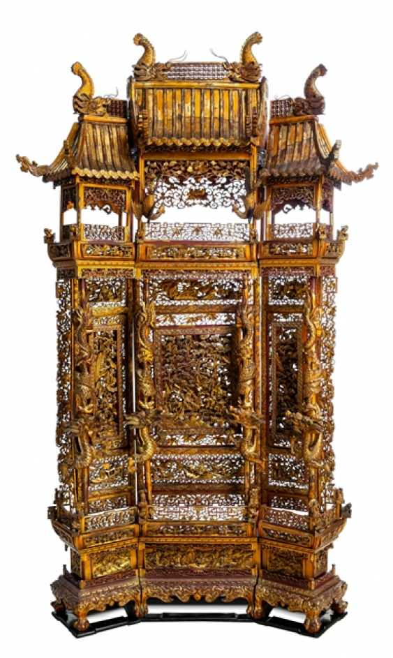 Magnificently carved and paint gold-plated control screen made of wood - photo 1