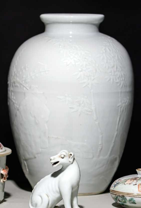Modelled Vase with decor of the 'Three friends of winter' - photo 1