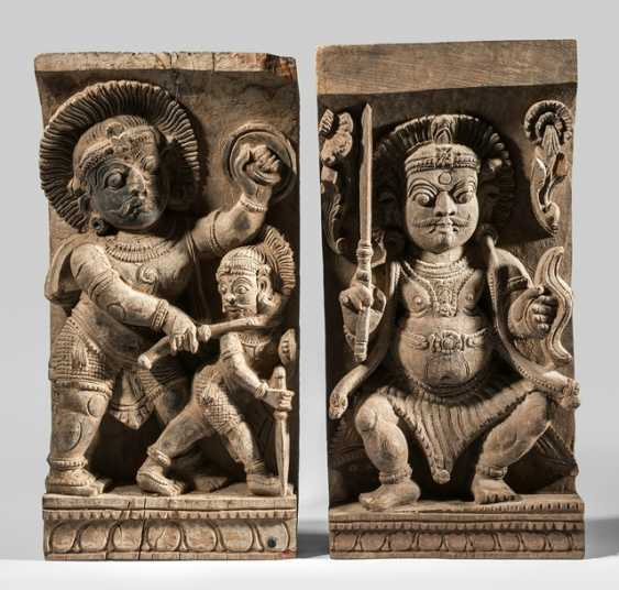 Couple of panels of wood with depictions of Bhairava - photo 1