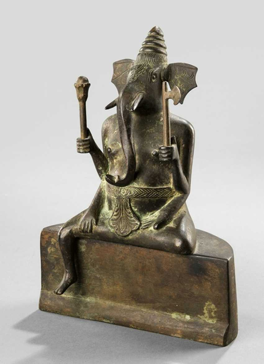 Bronze of Ganesha displayed on a Pedestal sitting - photo 1