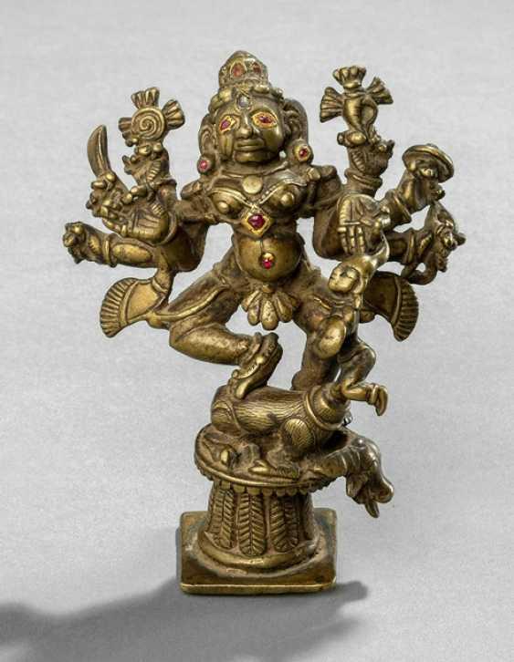 Bronze der Durga Mahishamardinidurga - photo 1
