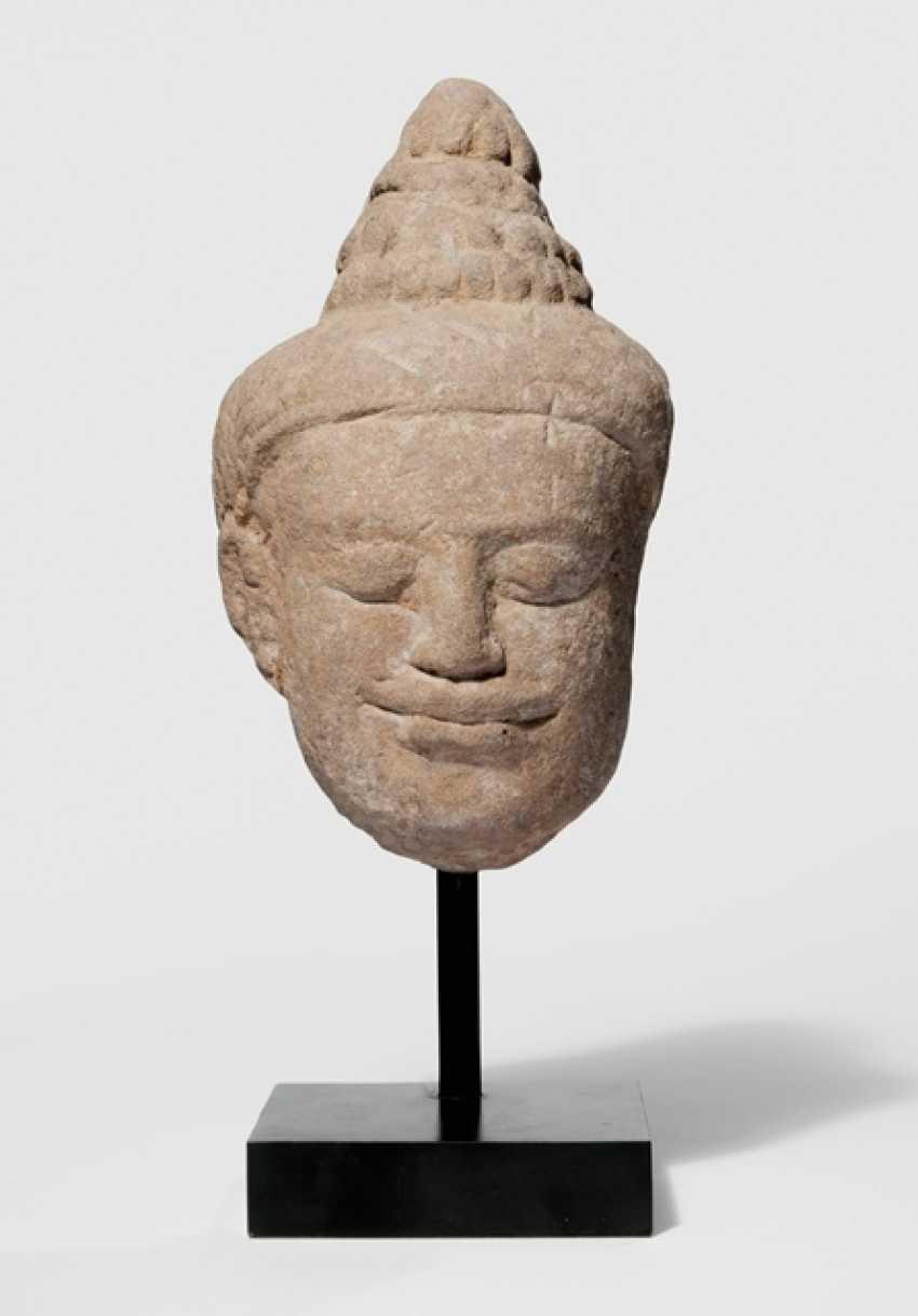 Head of Buddha Shakyamuni, made of sand stone - photo 1