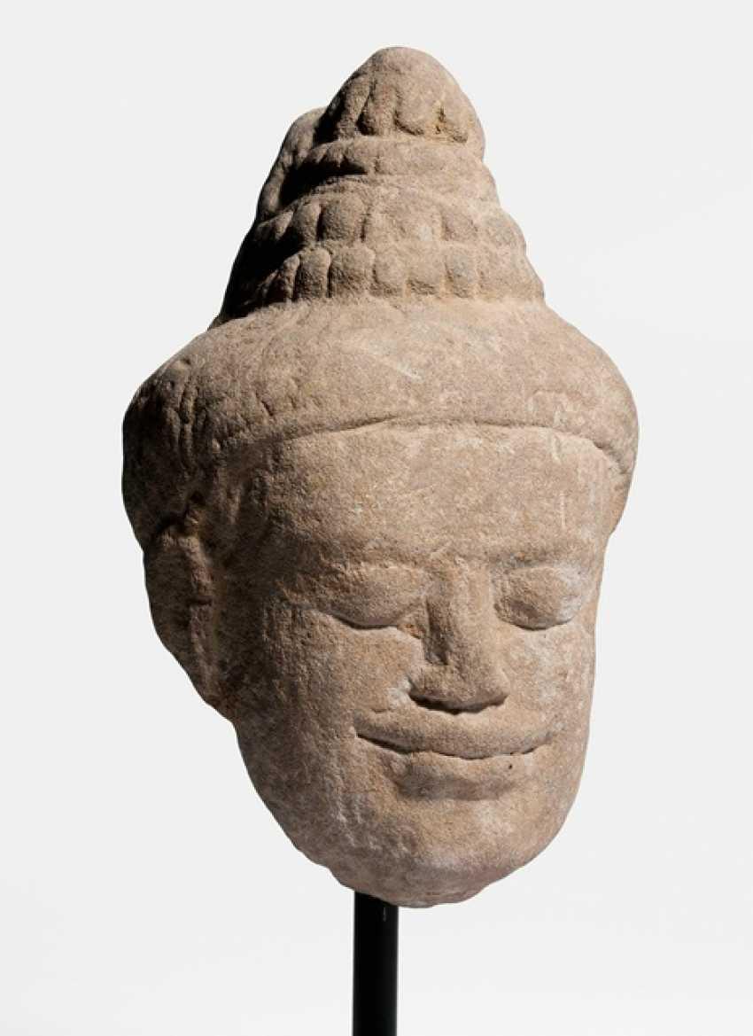 Head of Buddha Shakyamuni, made of sand stone - photo 2