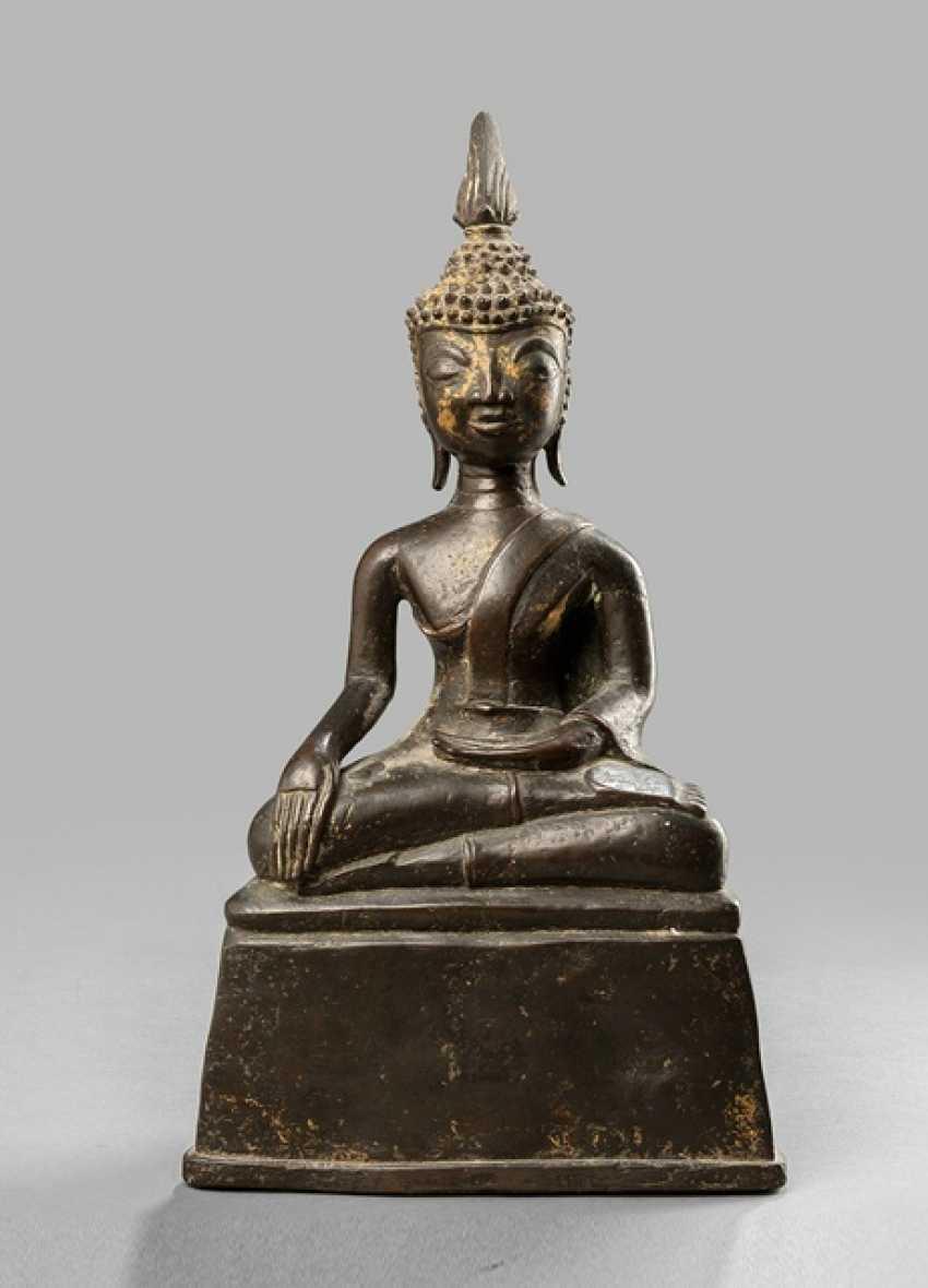 Bronze des Buddha Shakyamuni im Meditationssitz - photo 1