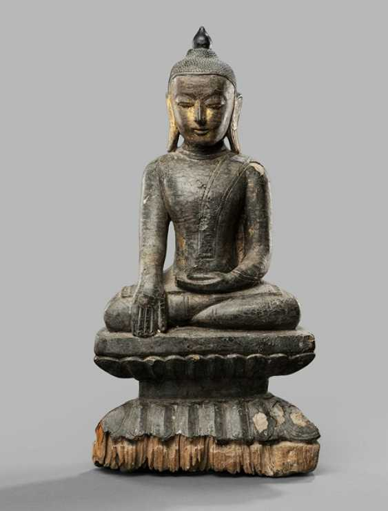 Sculpture of the Buddha Shakyamuni, made of wood with black and golfarbener Polish version - photo 1