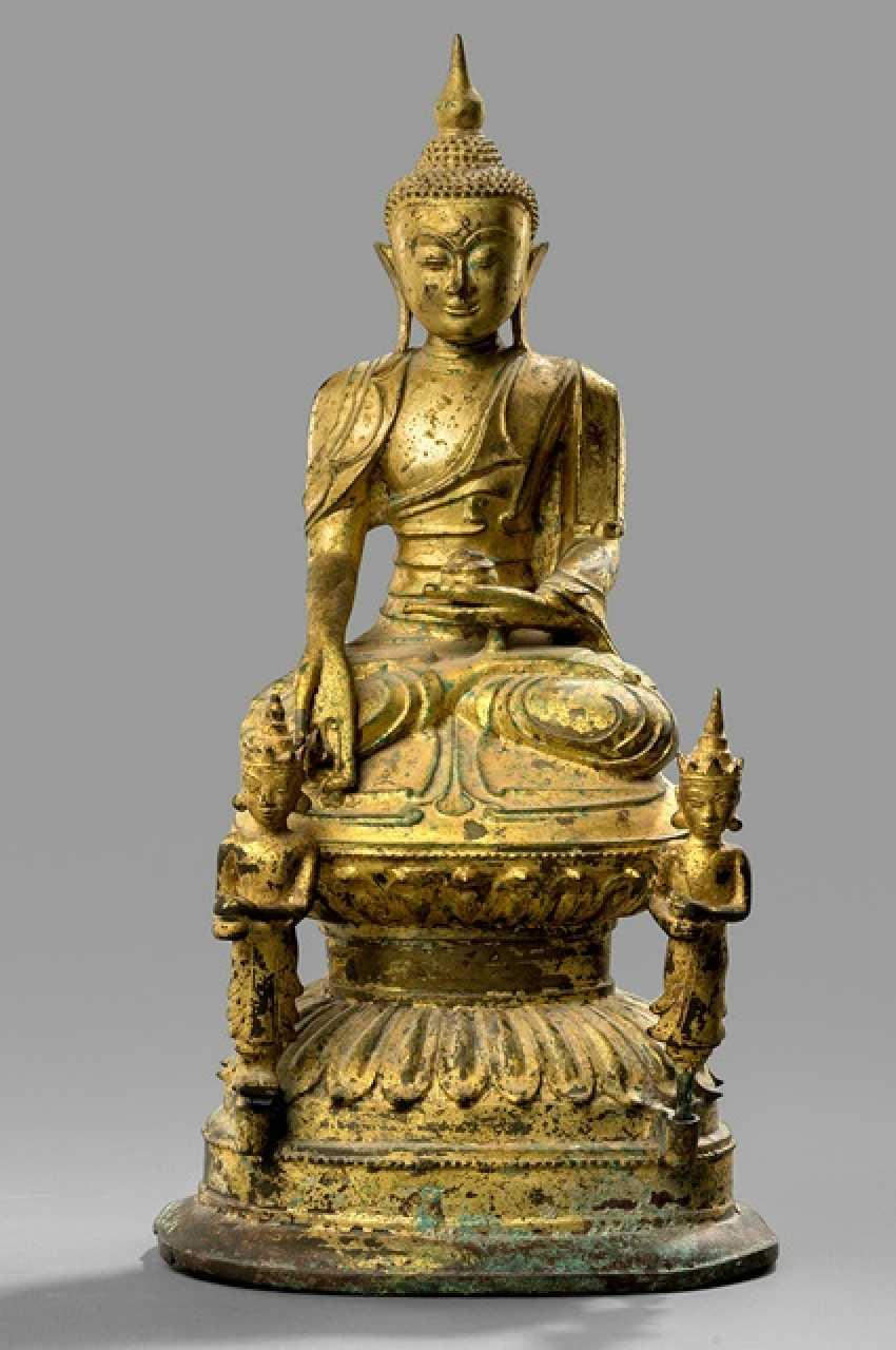 Bronze of the Baisajyaguru with meditation seat with gold version - photo 1