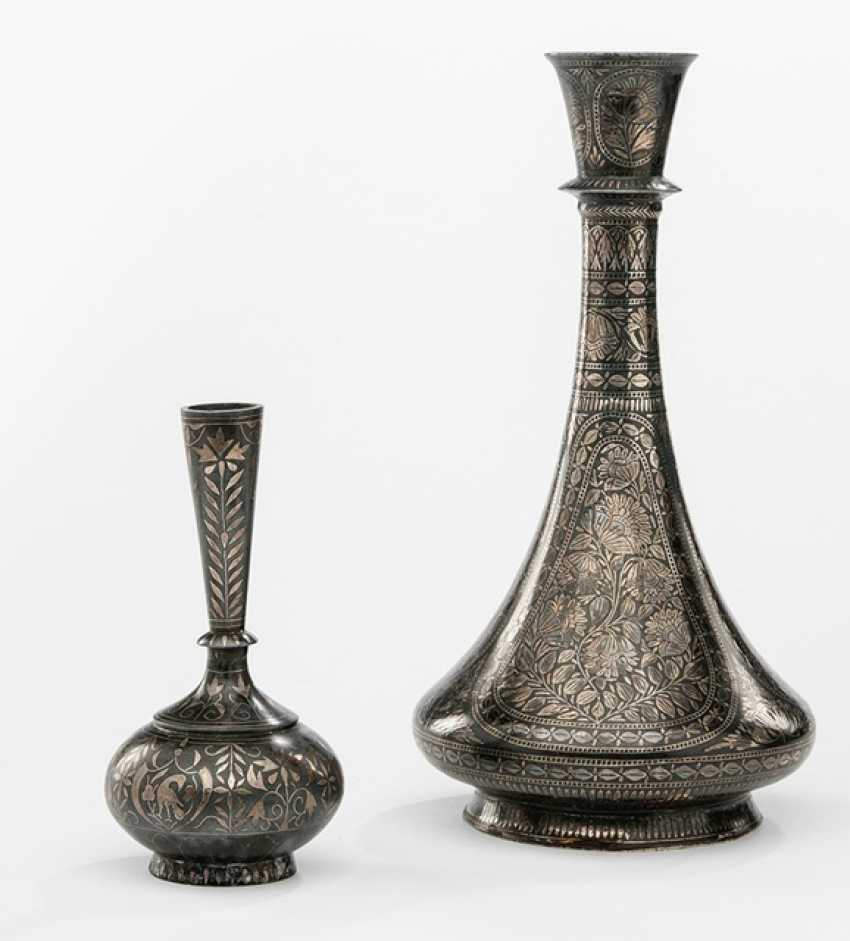 Group of three vases with silver exchanger and a sub-set with Cover our vase vial - photo 1