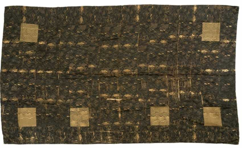 Two textiles of silk and brocade, with floral Patterns or decor in the compartments - photo 1