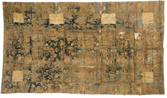 Two textiles of silk and brocade, with floral Patterns or decor in the compartments - photo 2