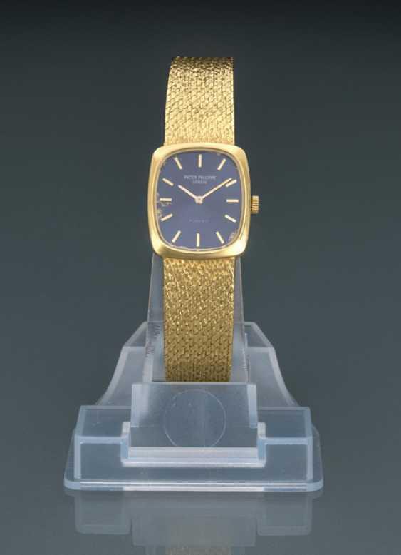 Patek Philippe Golden Ellipse Ladies Watch, Ref. 4107 - photo 1