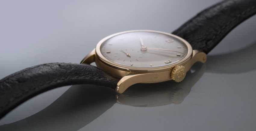 Patek Philippe's Calatrava in rose gold, Ref. 570 R with two-tone dial - photo 2