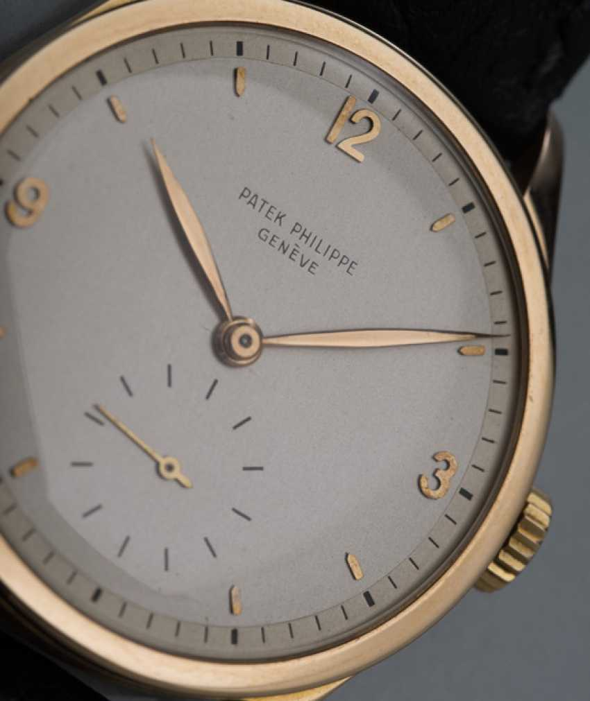 Patek Philippe's Calatrava in rose gold, Ref. 570 R with two-tone dial - photo 3