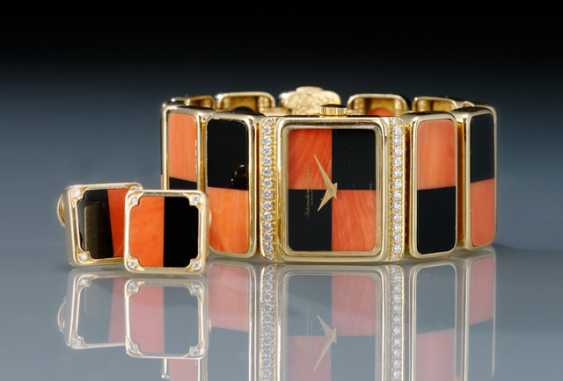 IWC, magnificent diamond ladies wrist watch and earrings m. Corsica, coral & Onyx - photo 2