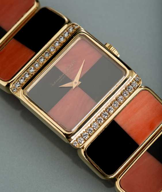 IWC, magnificent diamond ladies wrist watch and earrings m. Corsica, coral & Onyx - photo 3