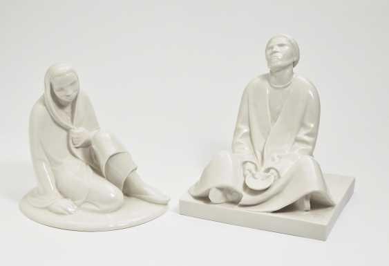 'Seated girl' and 'blind beggar'. Black Burger workshops for porcelain art, white brook, in 1908 and in 1906, Ernst Barlach - photo 1