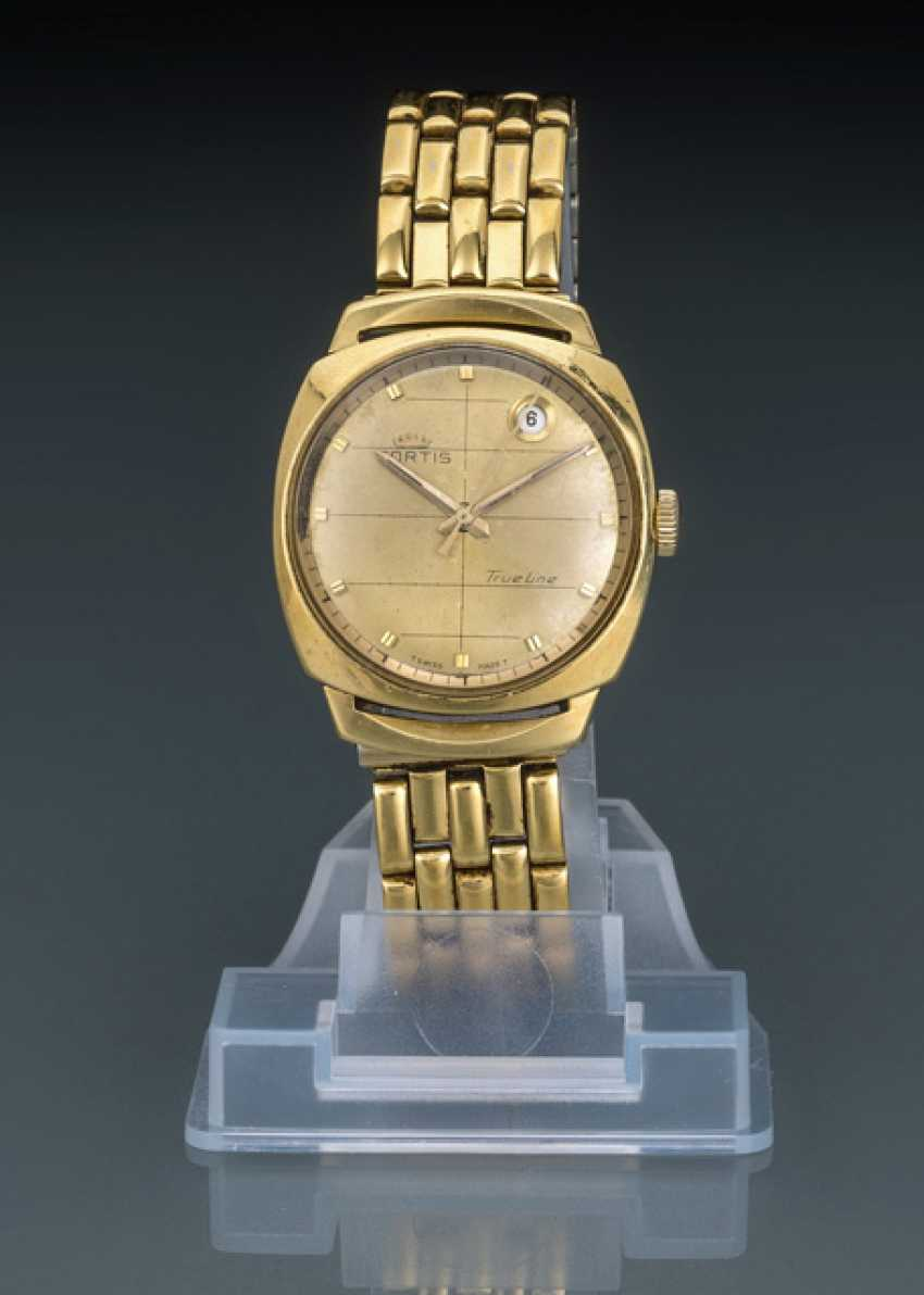 Fortis line wrist watch, 18K yellow gold True - photo 1