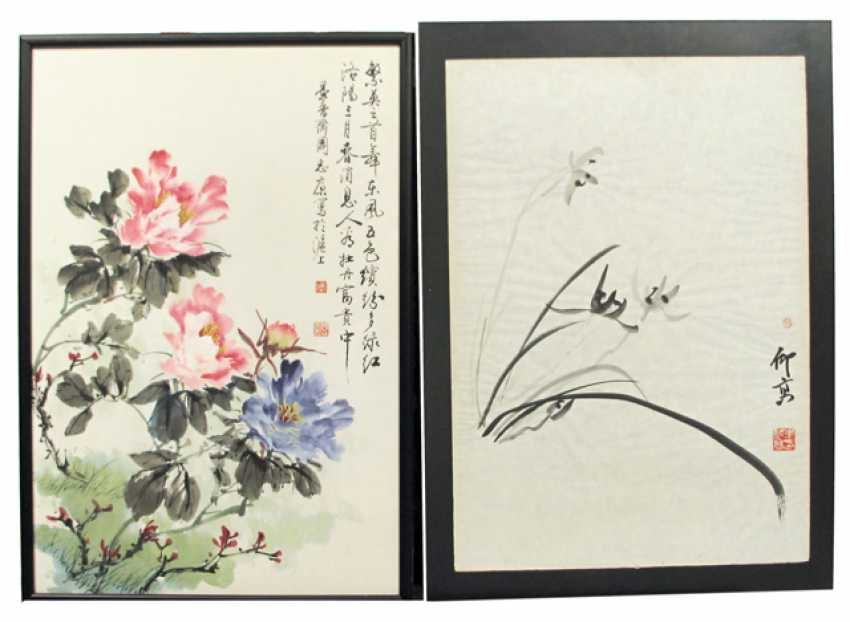 Two paintings of flowers and genre - photo 1