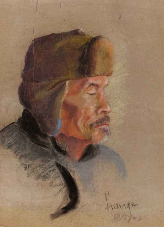 Portrait of an old man with a hat - photo 1