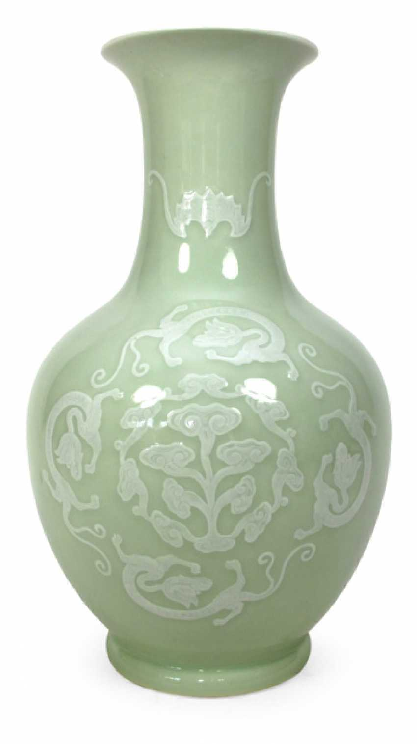 Celadon-colored Vase m. white decor v. dragon, bat & clouds in a light Relief - photo 1