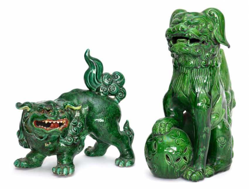 Green glazed lion with brocade ball and a green glazed Shishi - photo 1