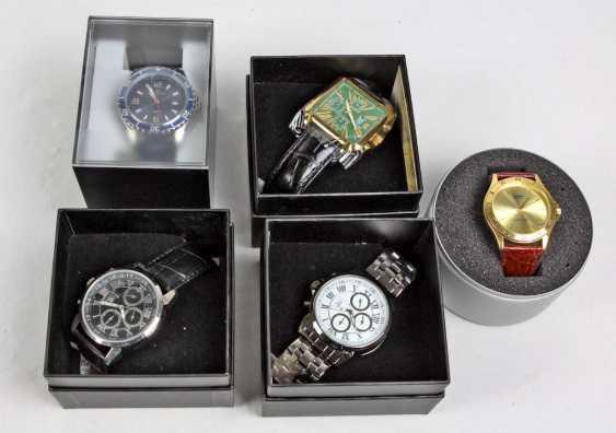 5 Men's Wrist Watches - photo 1