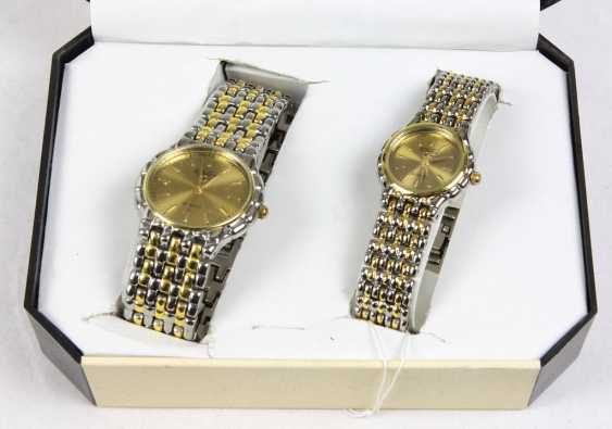 Bracelet watch Set in a case - photo 1