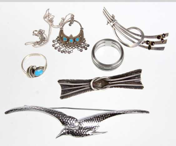 6 jewelry pieces - photo 1