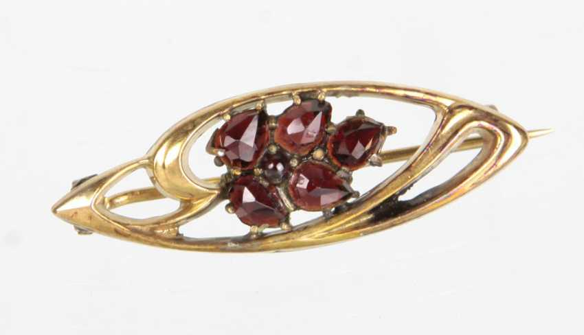 Art Nouveau brooch with garnet - photo 1