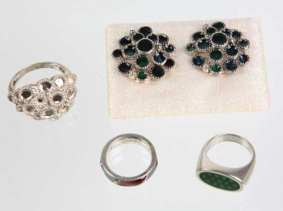 Vintage Enamel Jewelry - photo 1