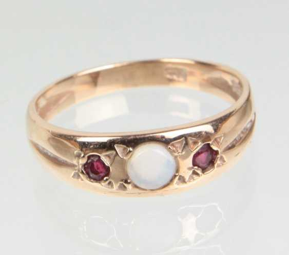 Opal Ring with ruby yellow gold 585 - photo 1