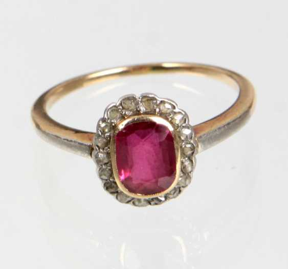 Ruby Ring with diamonds - yellow gold/WG 585 - photo 1