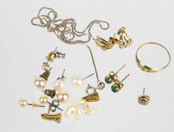 Post stud earrings, etc - photo 1