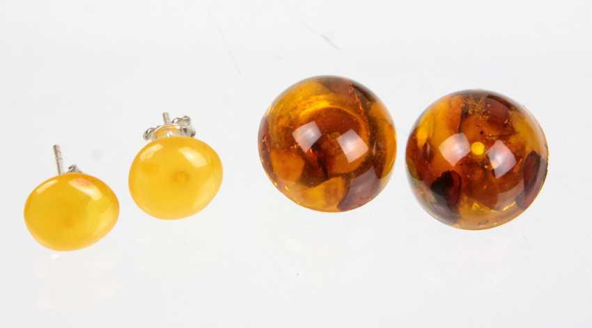 2 Pairs Of Amber Earrings - photo 1