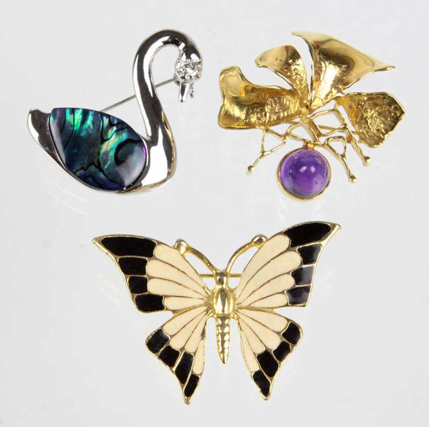 3 figural brooches - photo 1