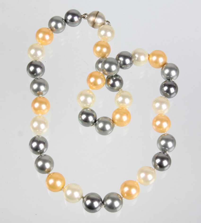 Multicolor Pearl Necklace - photo 1