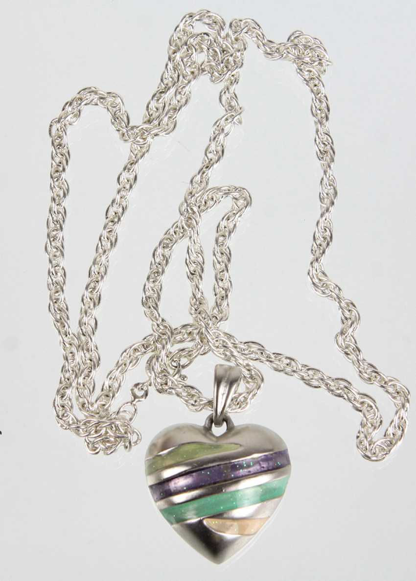 Enamel heart pendant on chain - photo 1